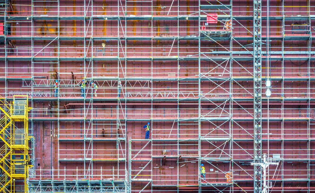 ©Friederike Hegner_Industriefotografie_Rostock_Warnemünde_Weft_Gerüstbau_Brasausky_Lindner Group AG