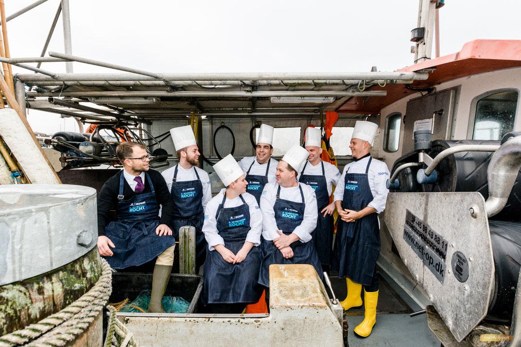 Alle Köche von Kühlunsgborn kocht 2018 auf einem alten Fischerkutter