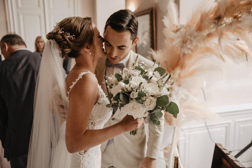 Kosten der Tamada und einer russischen Hochzeit