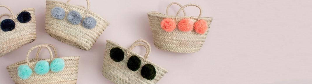 Körbe mit Bommeln - zum Einkaufen, für Kinder oder zur Dekoration