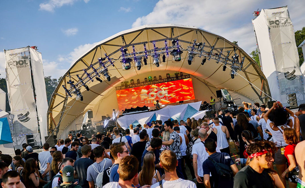 Rundbogen Bühne, World Club Dome, Open Air Bühne, Bühne mieten