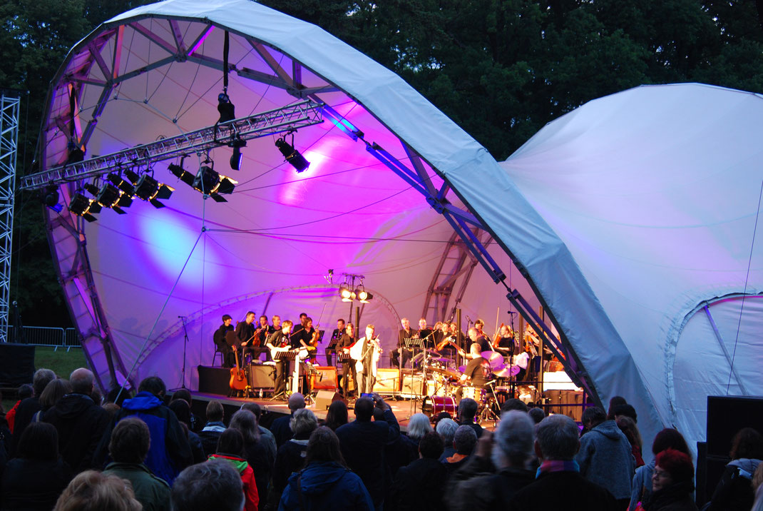 Bühne mieten, Nigel Kennedy, Open Air Bühne, Konzertmuschel mieten