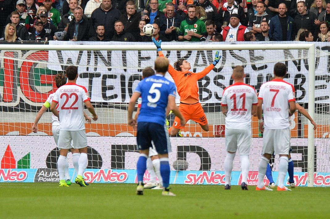 Mit einem 1:1 Unentschieden trennten sich der FC Augsburg und Schalke 04