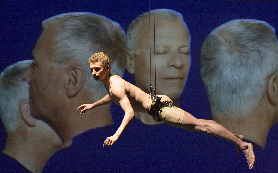 franticek-klossner-contemporary-dance-performance-choreography-and-staging-konzert-teater-bern-switzerland