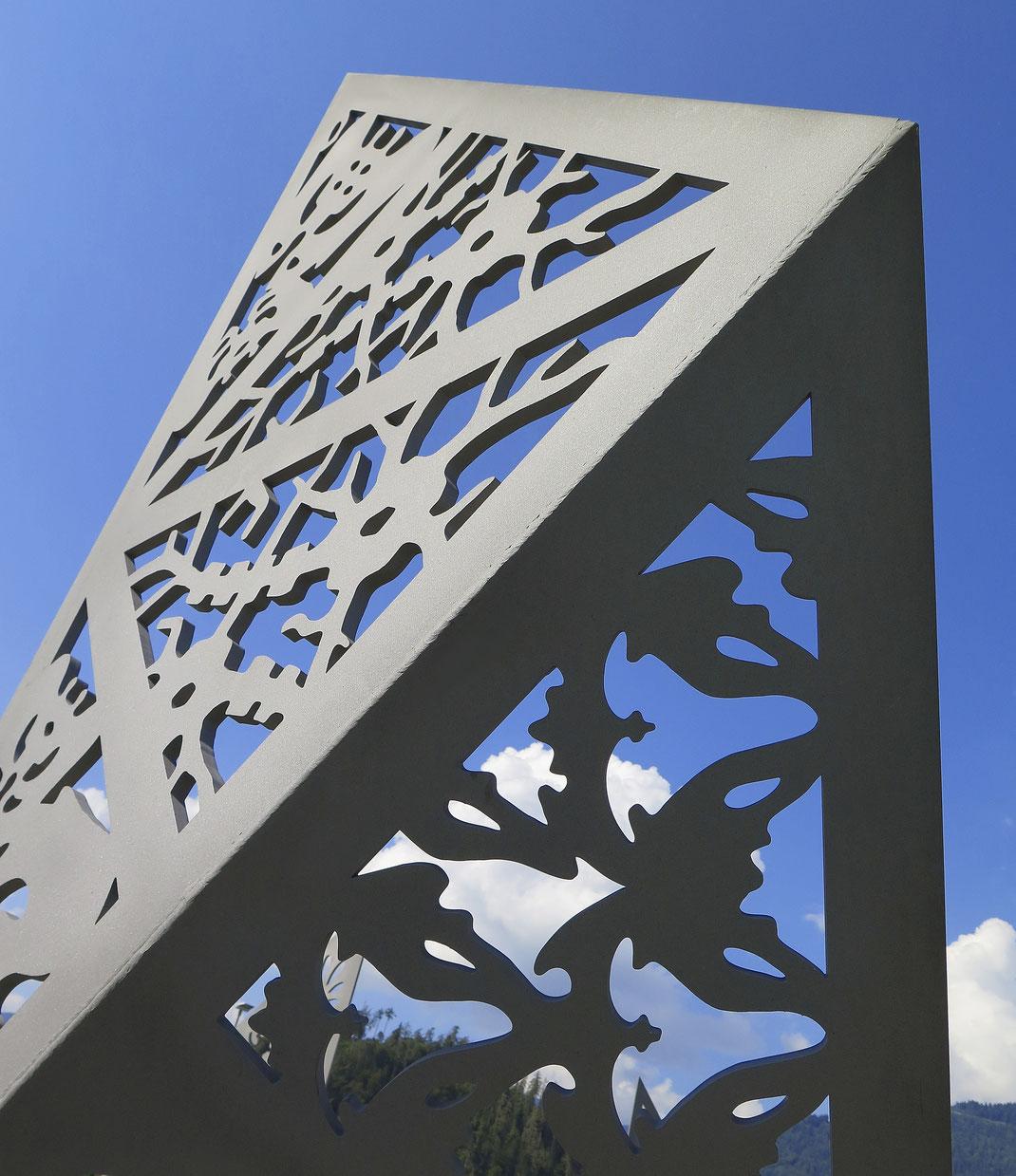 Wilderswil-Umfahrung-Direktanschluss-Gewerbezone-Flugplatz-Interlaken-Skulpturen-Nationalstrassenkreisel-Bildungszentrum-BZI-Laser-Cut-Scherenschnitt-Skulptur