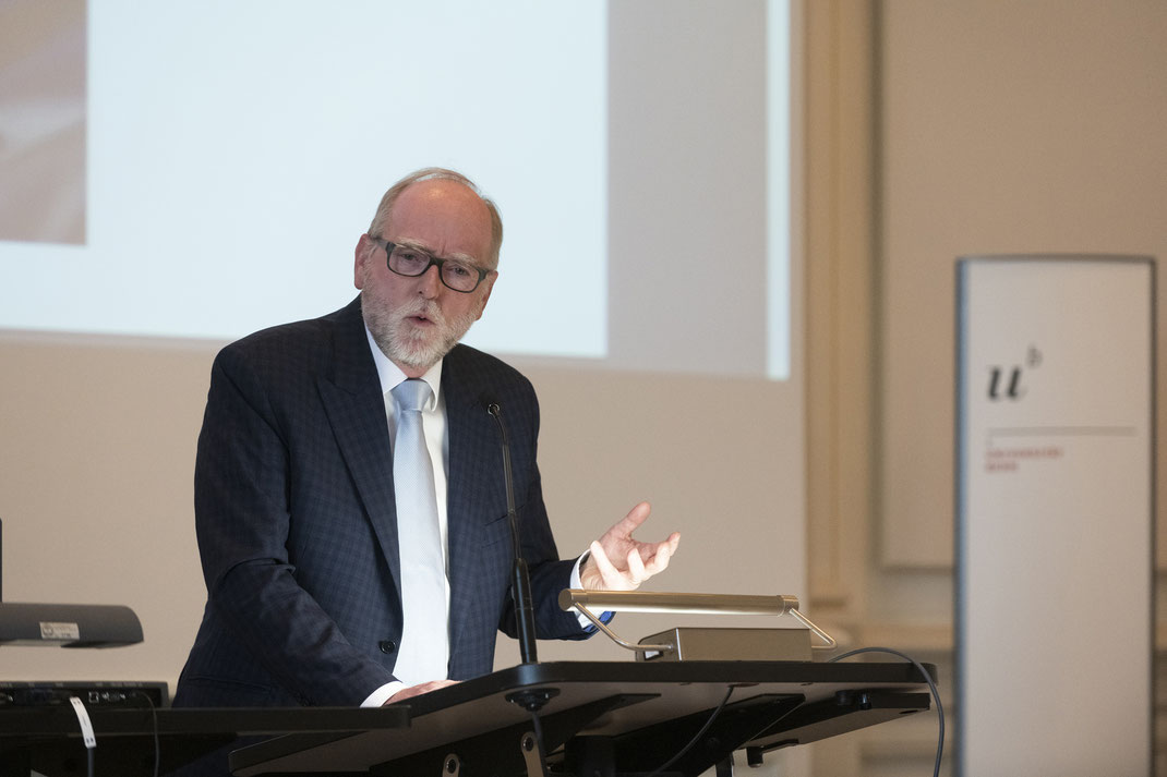 kulturvermittlung-digital-bildung-kanton-bern-hans-ulrich-glarner-uni-bern-antikensammlung-facing-history