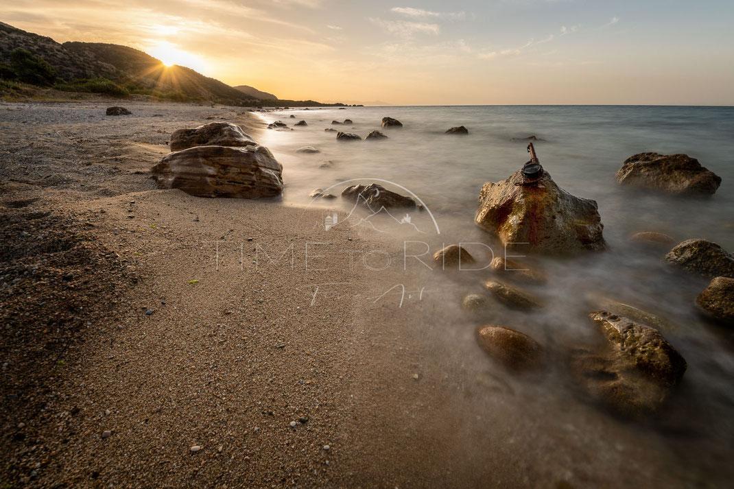 Power of Imagination | Vorstellungskraft | Coastline | Greece | Sinrise at a beach in Greece | Landschafts- & Naturfotografie | Landscape & Nature Photography