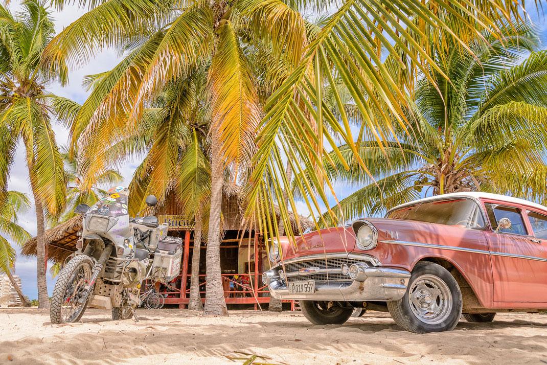 Caribbean Dreams   Karibische Träume   Playa Santa Lucia   Cuba   Motorrad-Abenteuer-Fotografie   Motorcycle ADV Photography   Poster & Leinwände