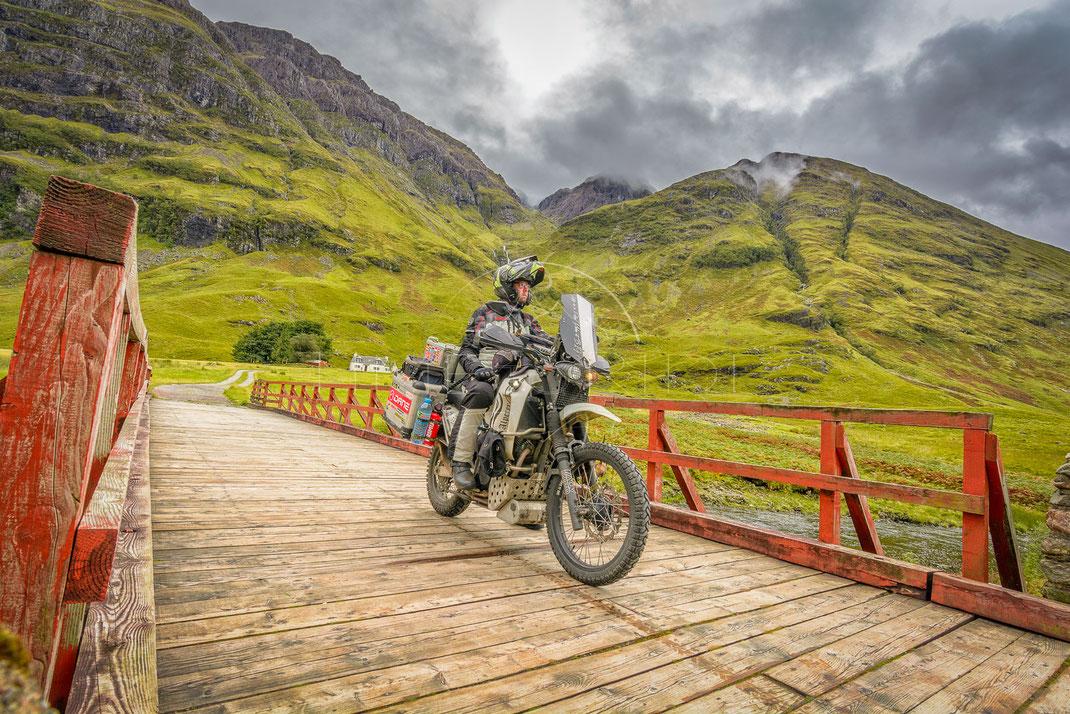Highlands Secret | Das Geheimnis des Hochlands | Highlands | Scotland | Motorrad-Abenteuer-Fotografie | Motorcycle ADV Photography | Poster & Leinwände