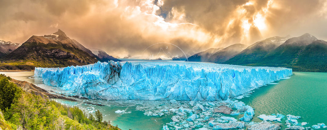 La Maravilla Azul | Das blaue Wunder | Perito Moreno Glacier | Argentina | This beauty is one of the biggest outlet glaciers in the Andes and it´s truly spectacular to watch him | Landschafts- & Naturfotografie | Landscape & Nature Photography