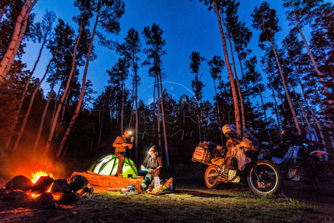Camping Romance | Camping Romantik | Arizona | USA | Motorrad-Abenteuer-Fotografie | Motorcycle ADV Photography | Poster & Leinwände