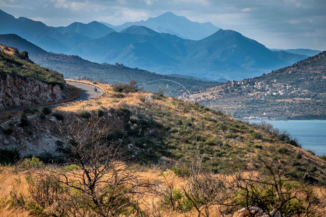 Road to the Sun | Straße zur Sonne | Peloponnese | Greece | Eine der besten Motorradstrecken in Griechenland | Motorrad-Abenteuer-Fotografie | Motorcycle ADV Photography | Poster & Leinwände