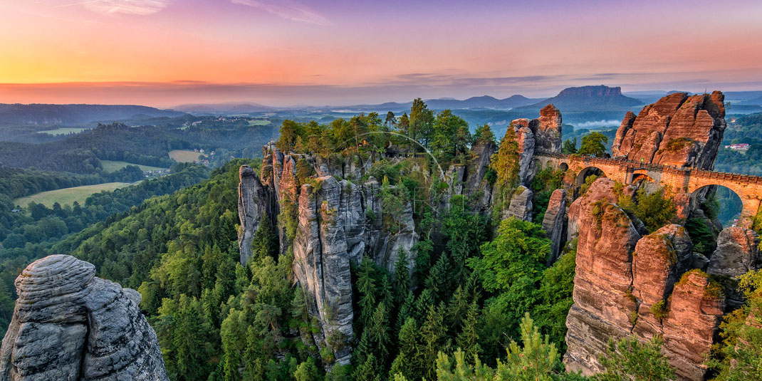 Rock of Ages | Fels der Ewigkeit | Bastei | Saxon Switzerland | Germany | The rising sun lighting up the Bastei in Germany | Landschafts- & Naturfotografie | Landscape & Nature Photography