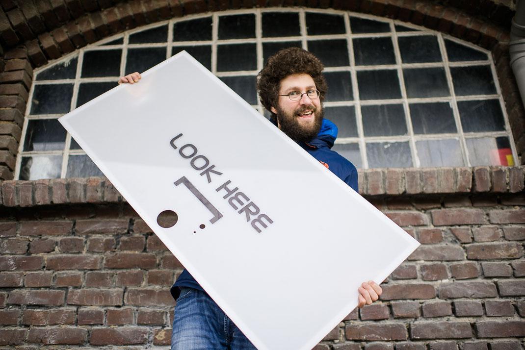 Hallophotobooth in mainz photobooth fotobox fotokabine videobox videobooth hochzeit event entertainment betriebsfeier spass party säule stefan schneider