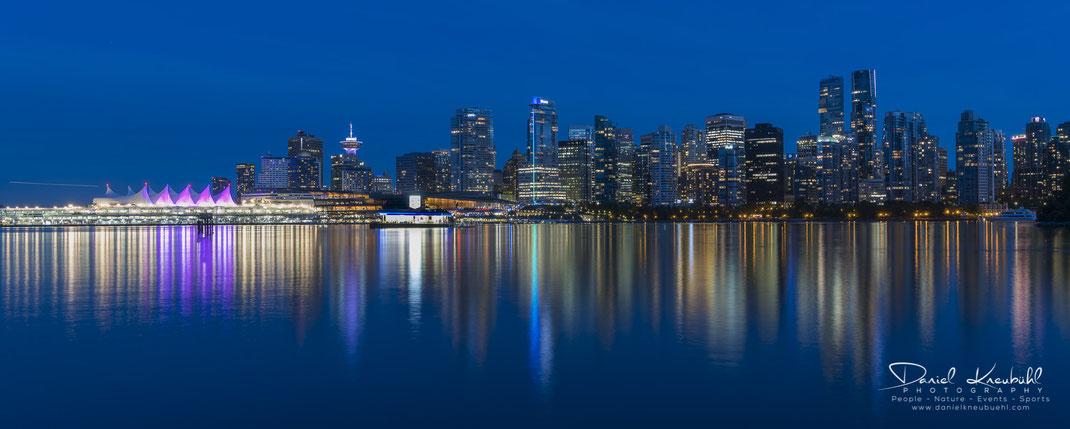 Skyline, Vancouver, Night, Downtown, British Columbia, Canada, www.danielkneubuehl.com, Photographer/Fotograf: Daniel Kneubühl