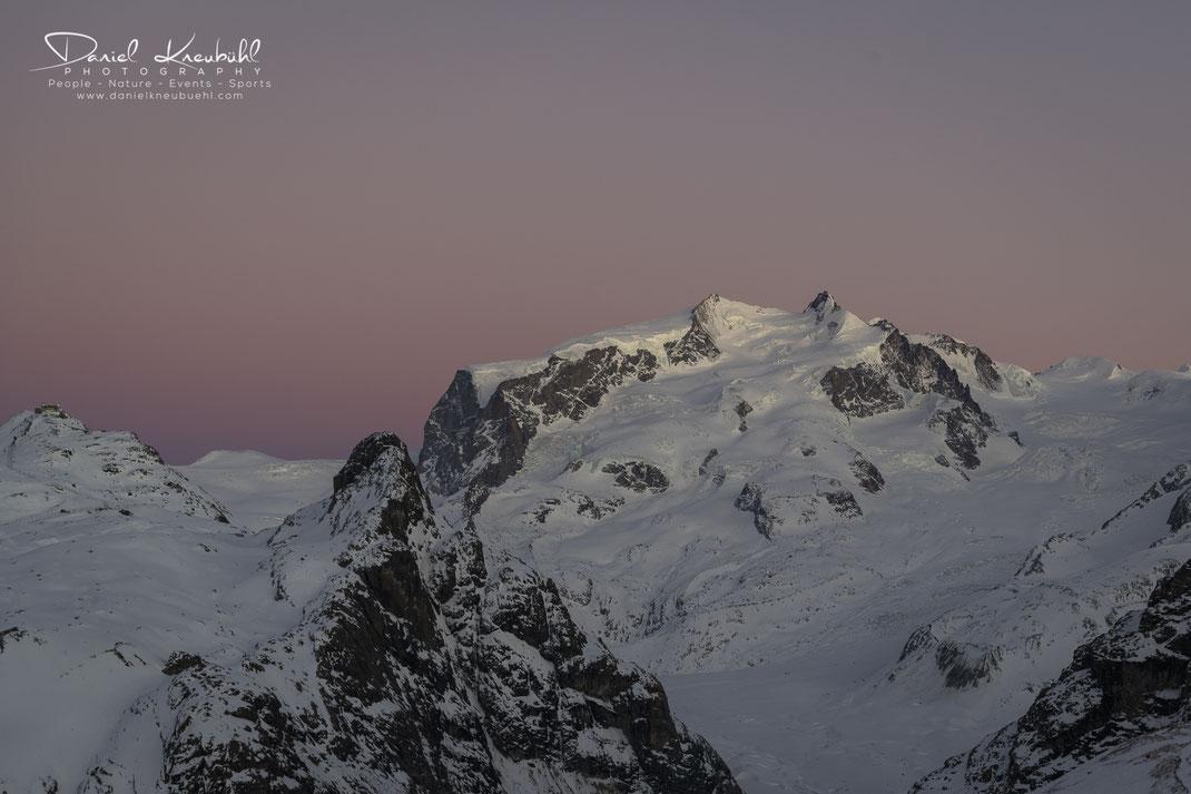 Dufourspitze, Monte Rosa, Gornergrat, Sonne, Sonnenuntergang, Abendrot, 4478m, Zermatt, Wallis, Schweiz, Switzerland, www.danielkneubuehl.com, Photographer/Fotograf: Daniel Kneubühl