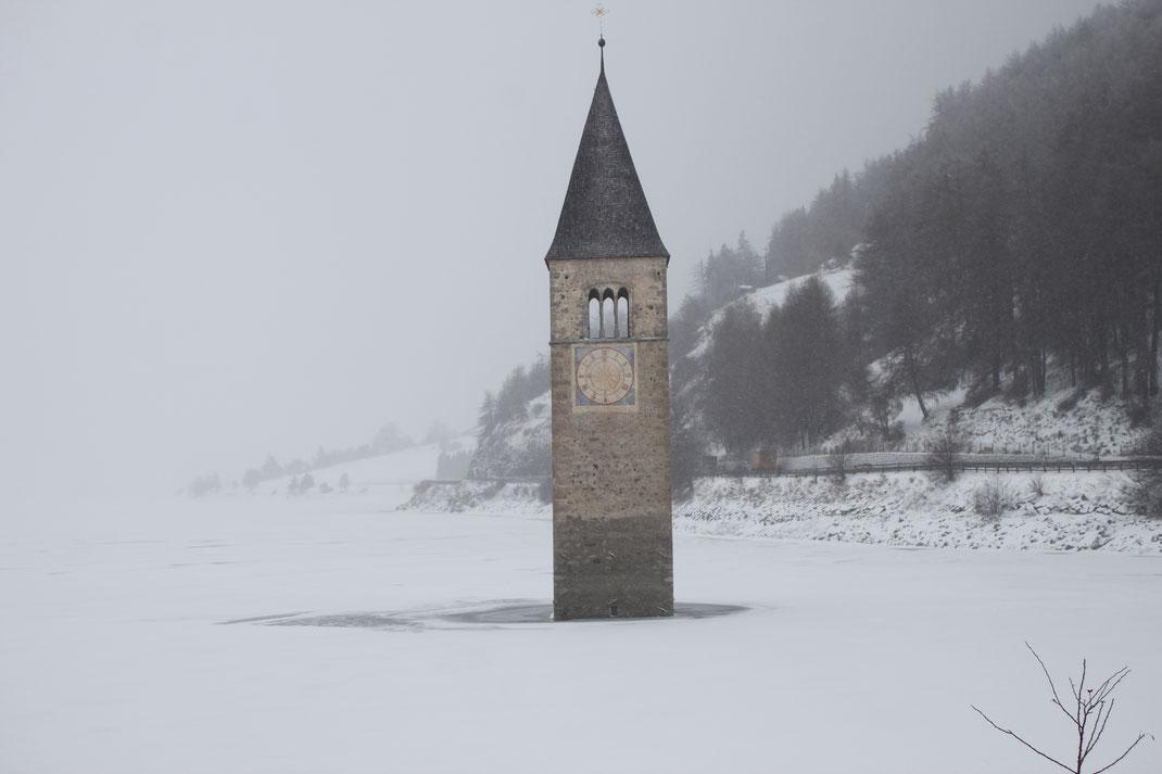 Die versunkene Kirche am Reschenpass