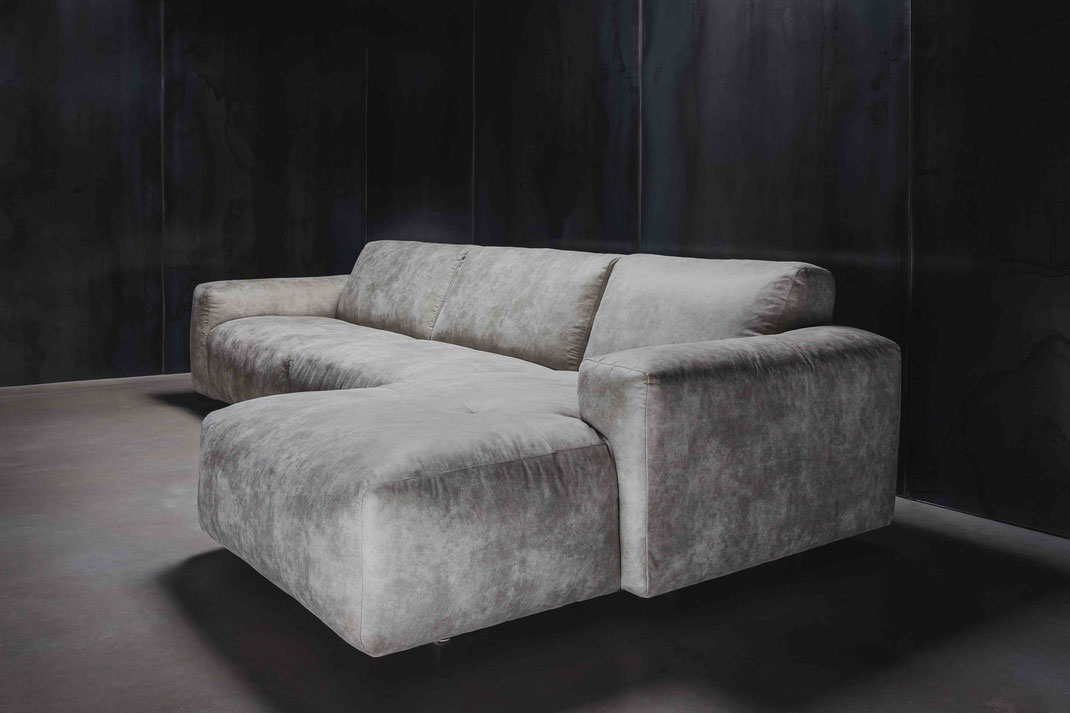 MÖBELLOFT Design Couch WOLKE in grau über Eck in modernem Design