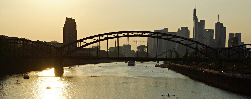 Lauer Sommerabend in Frankfurt am Main | Bild: Denny Karran