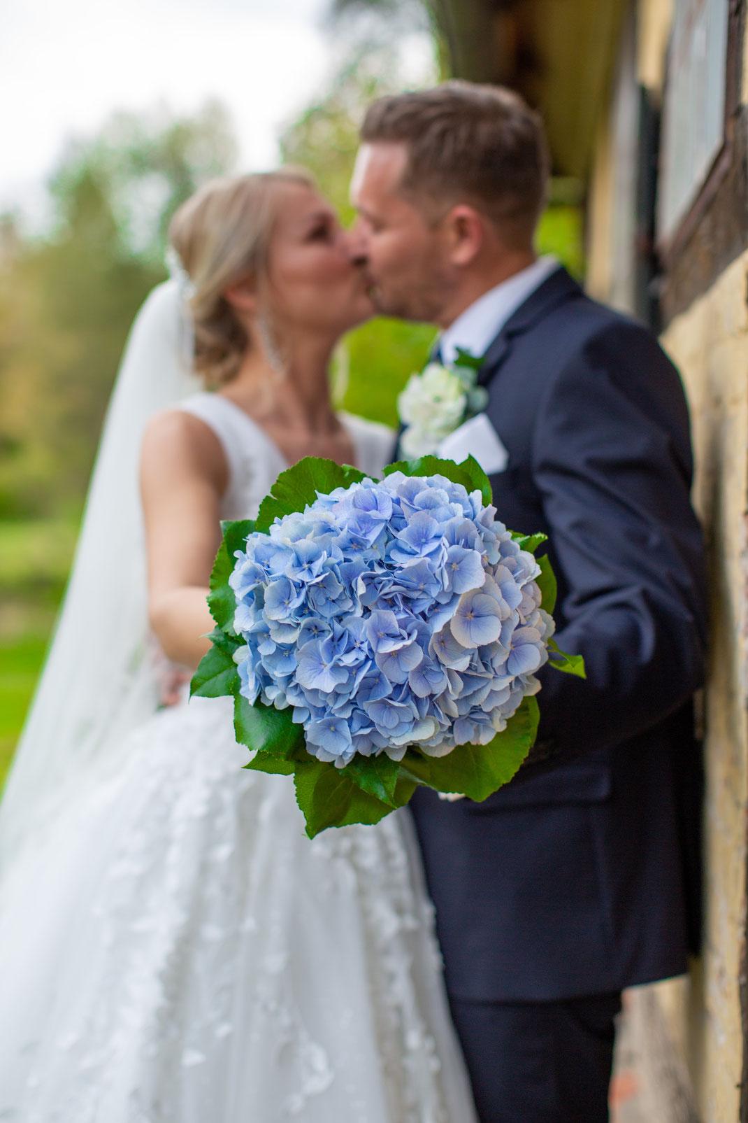 Der Braut Blumenstrauß im Focus