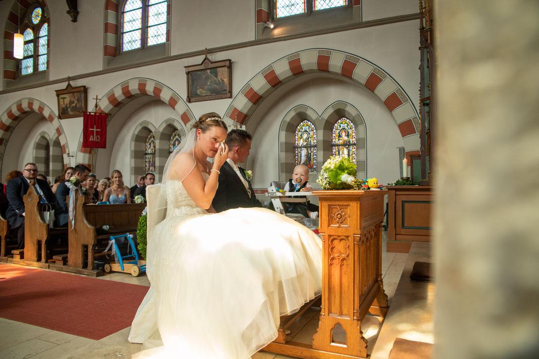 Emotionale Momente werde von Hochzeitsfotografen versucht immer festzuhalten