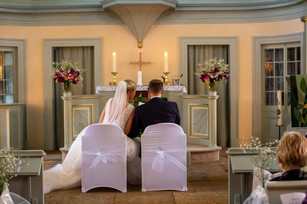 Brautpaar beim singen