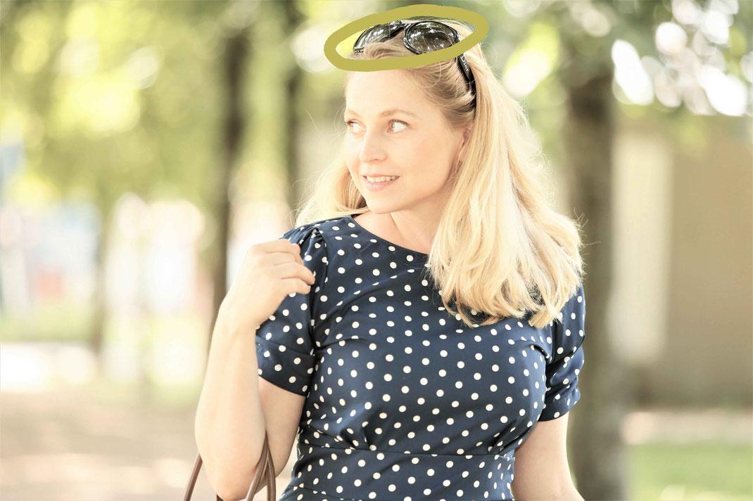 Traurednerin Kira Nothelfer unterwegs zu einer Freien Trauung in Berlin und Brandenburg