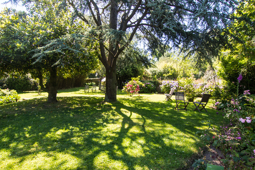 Der Garten des Dichters Jacques Prévert in Omonville-La-Petite in der Normandie
