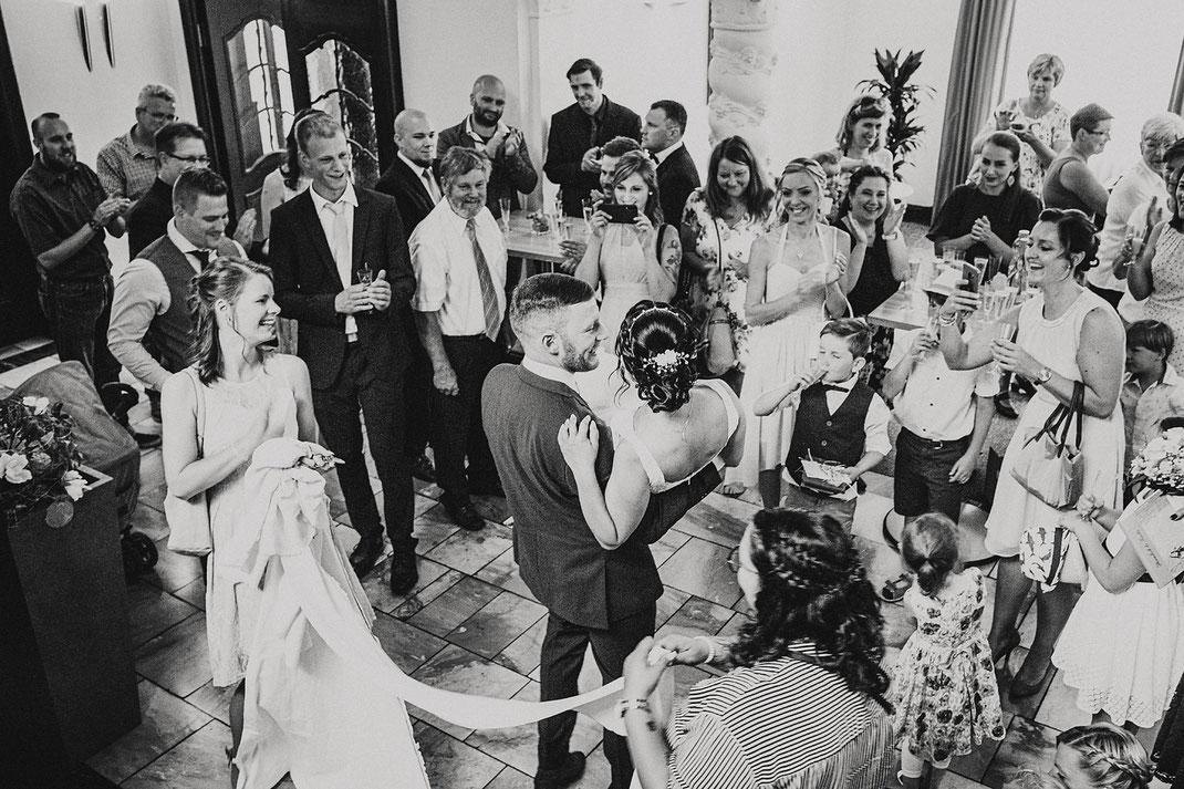 Fotograf Rietberg, Hochzeitsfotograf, Gütersloh, Bielefeld, Hochzeitsreportage, Bielefeld, Hochzeitskleid, Hochzeitsfeier, Rheda-Wiedenbrück,