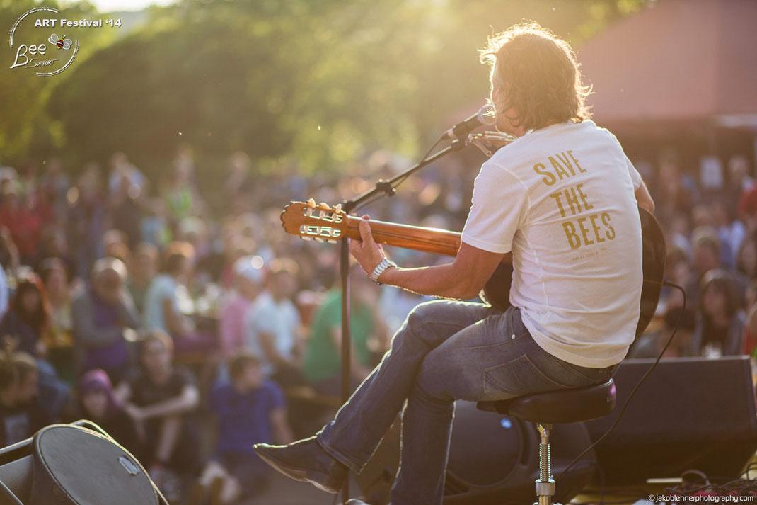 Hans Söllner: Musik-Rebell, Hobby-Imker und Bienenbotschafter unserer Initiative Bee Support.