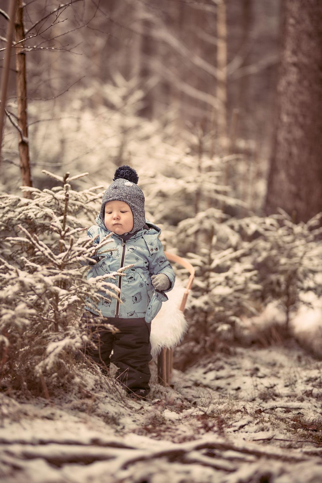 Winterwald, Winterzeit, Weihnachten, Hochzeitsfotograf Nürnberg, Hochzeitsfotograf Erlangen Winterliche Geschichte in der Fränkische Schweiz
