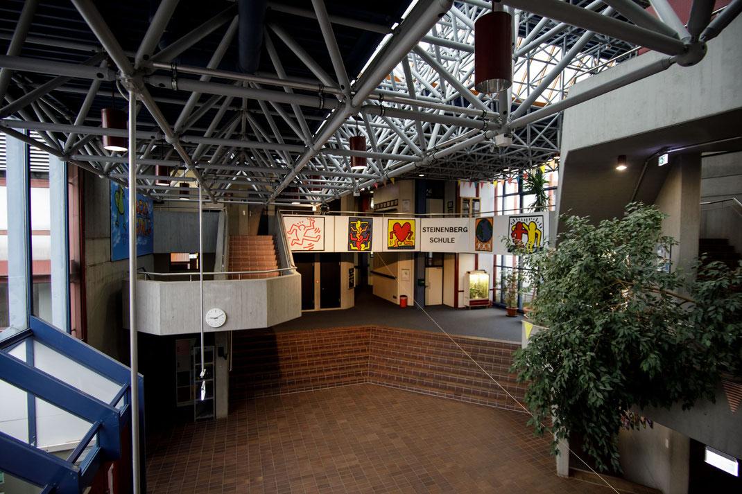 Die Aula der Steinenbergschule in Stuttgart-Hedelfingen
