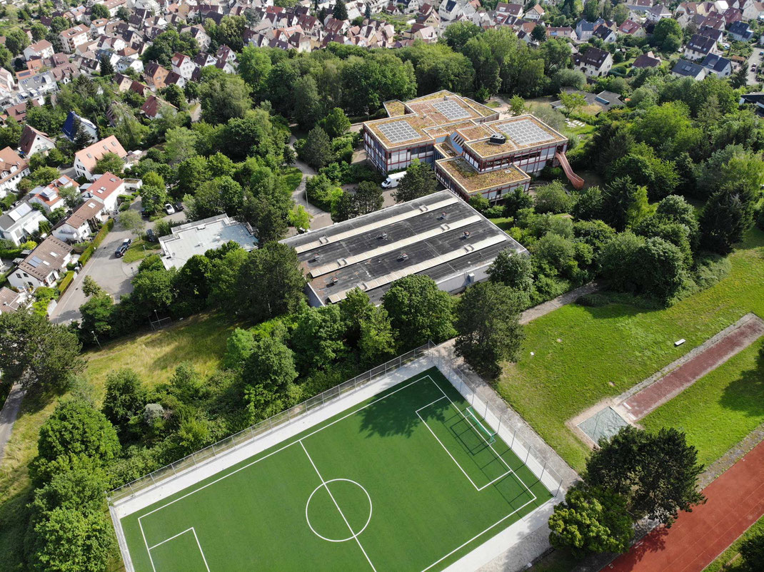 Die Steinenbergschule in Stuttgart Hedelfingen - Schule im Grünen mit Herz