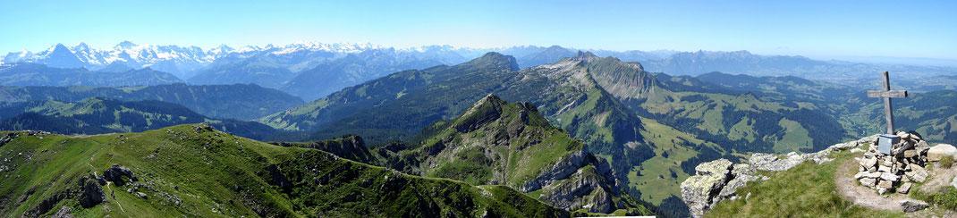 Blick auf Gemmenalphorn (Niederhorn), Sieben Henste (Widderfeld), Sigriswiler Grat