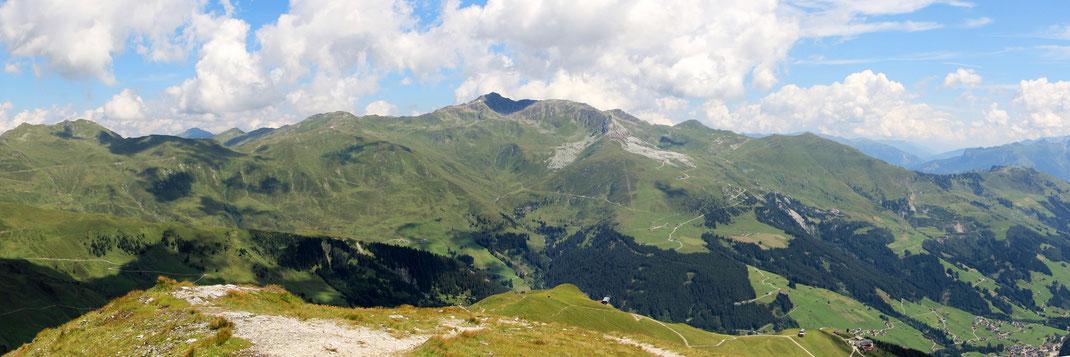 Aussicht auf der Grüblspitze ostwärts Richtung Raskogel (2762 m) - Penkenjoch - Gerlos