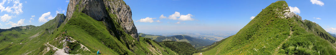 Panoramablick Schwalmeren nord Richtung Gurnigel - Riggisberg -  Gürbetal