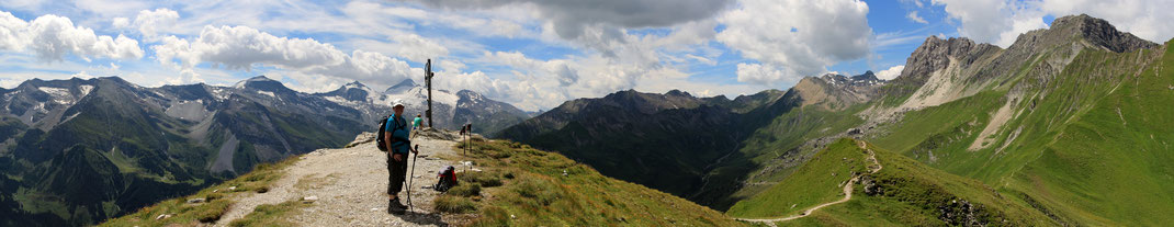 Aussicht Grüblspitze westwärts Richtung Hintertuxer Gletscher, gefrohrene Wand - Olperer (3430 m) - Geier - Kalkwand