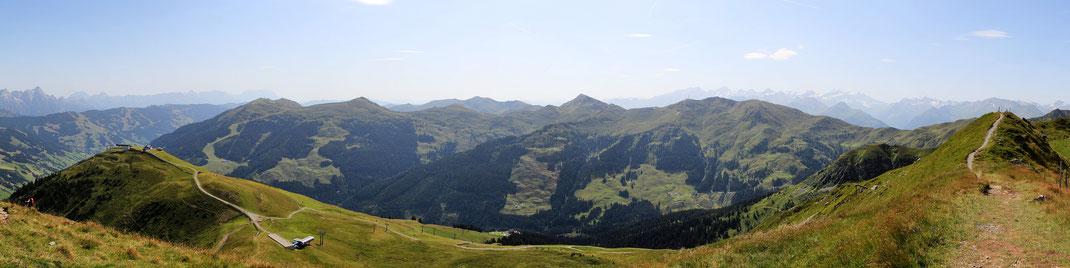 Blickrichtung Ost: 12-er Kogel, Schattberg, Stemmerkogel, Bärensteigkogel