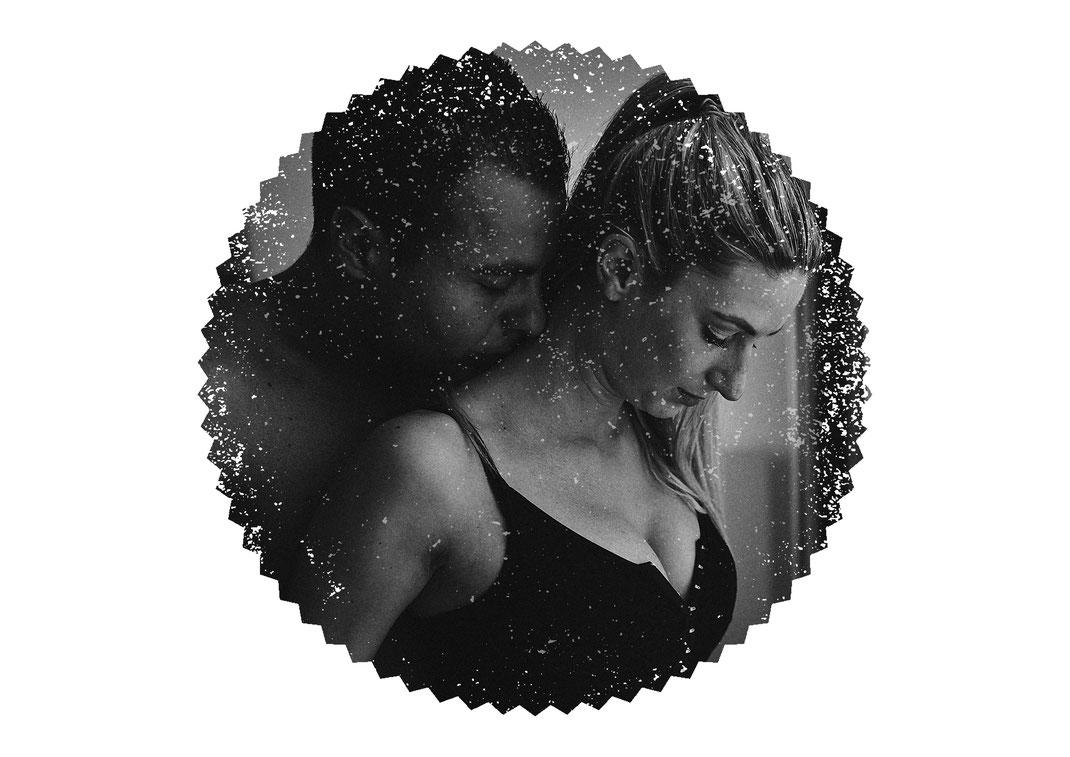 erotische Paarfotos-Aktfotografie-im-Hotel-bei-Heilbronn-von-Nollenberger-Fotografie-aus-Lauffen-am-Neckar