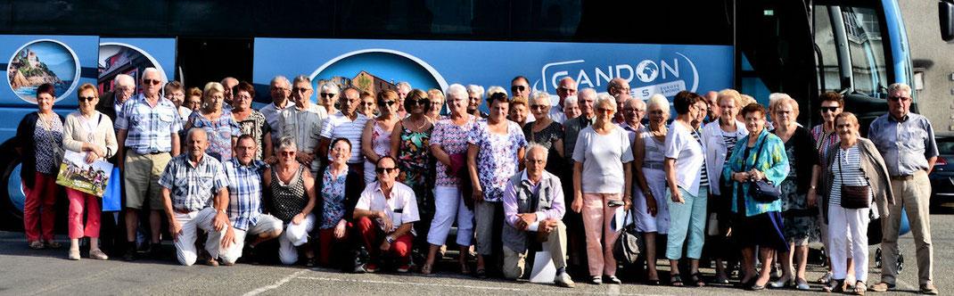 Retour d'une très belle journée chez Marie Guerzaille pour les cinquante sept adhérents du club de l'Amitié d'Argentré du Plessis