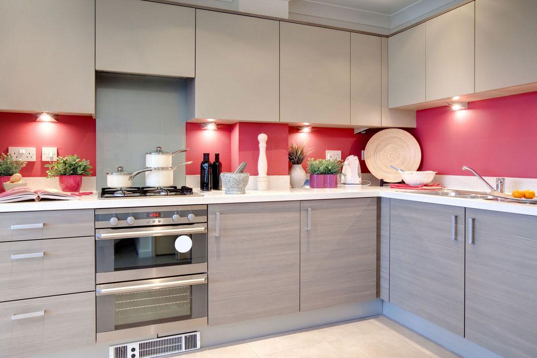 Consejos para decorar muros de cocinas