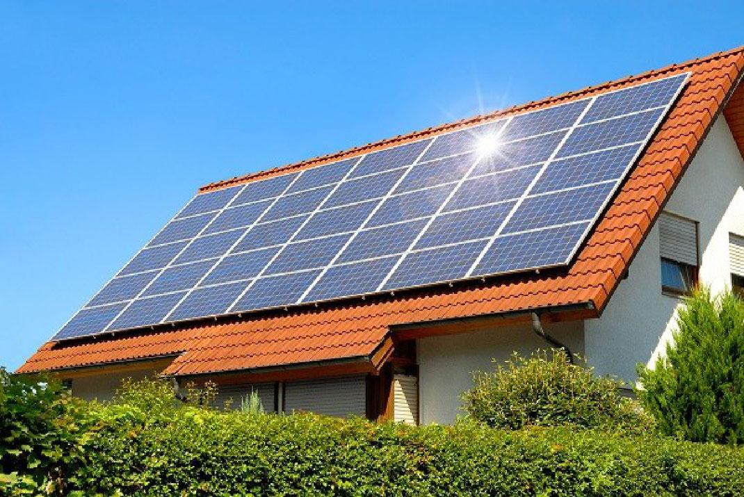 4 Razones y ventajas de utilizar paneles solares en casa