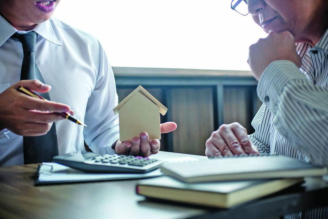 Cual es la función de un broker inmobiliario