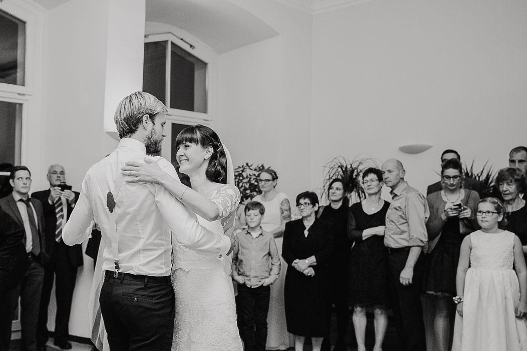 Bild: Hochzeitstanz Braut und Bräutigam Hochzeitsfotografie