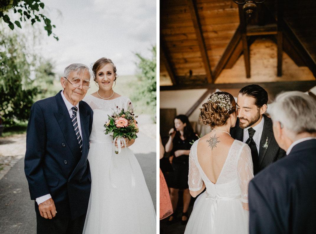 Bild: Braut und Brautvater Hochzeit in der Alte Fasanerie Familienfarm Lübars in Berlin Hochzeitsfotos Hochzeitsfotograf Hochzeitsfotografie
