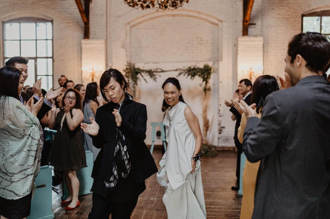 Ungewöhnliche Trauung mal anders Von Greifswald Berlin Hochzeit feiern Location Hochzeitsreportage Hochzeitsfotografie