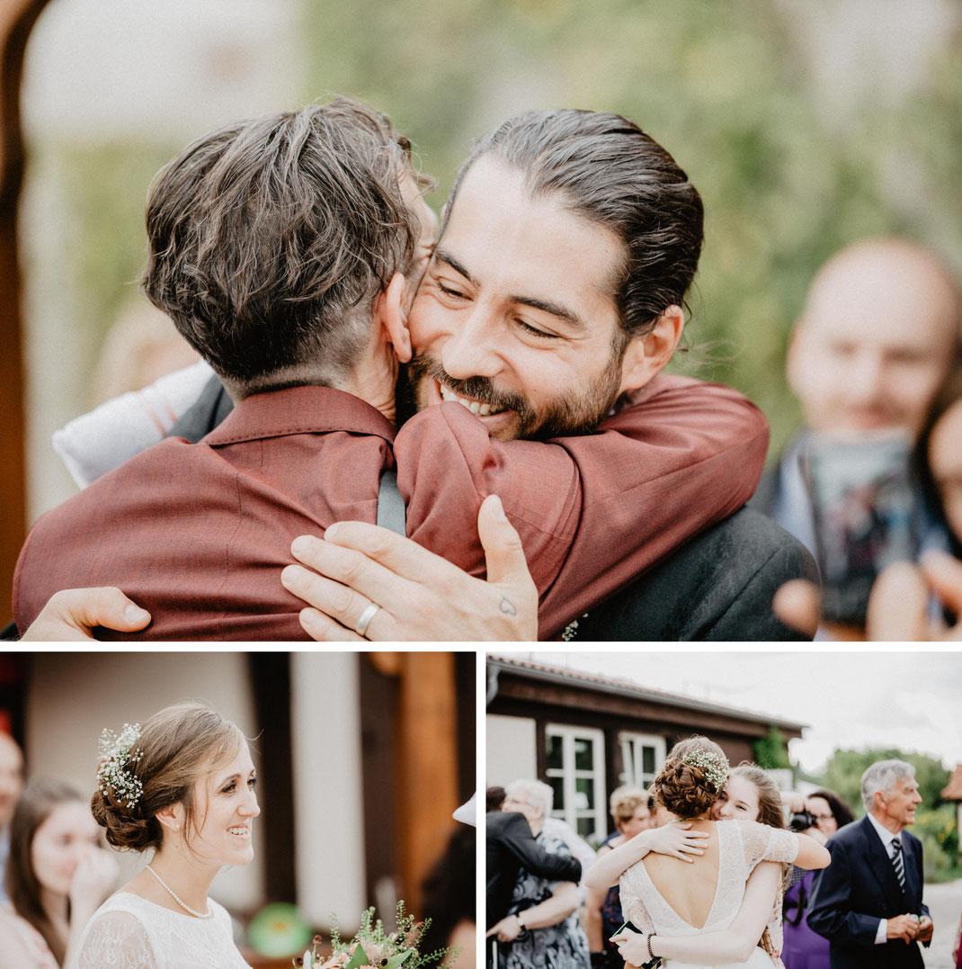 Bild: Empfang Hochzeit in der Alte Fasanerie Familienfarm Lübars in Berlin Hochzeitsfotos Hochzeitsfotograf Hochzeitsfotografie