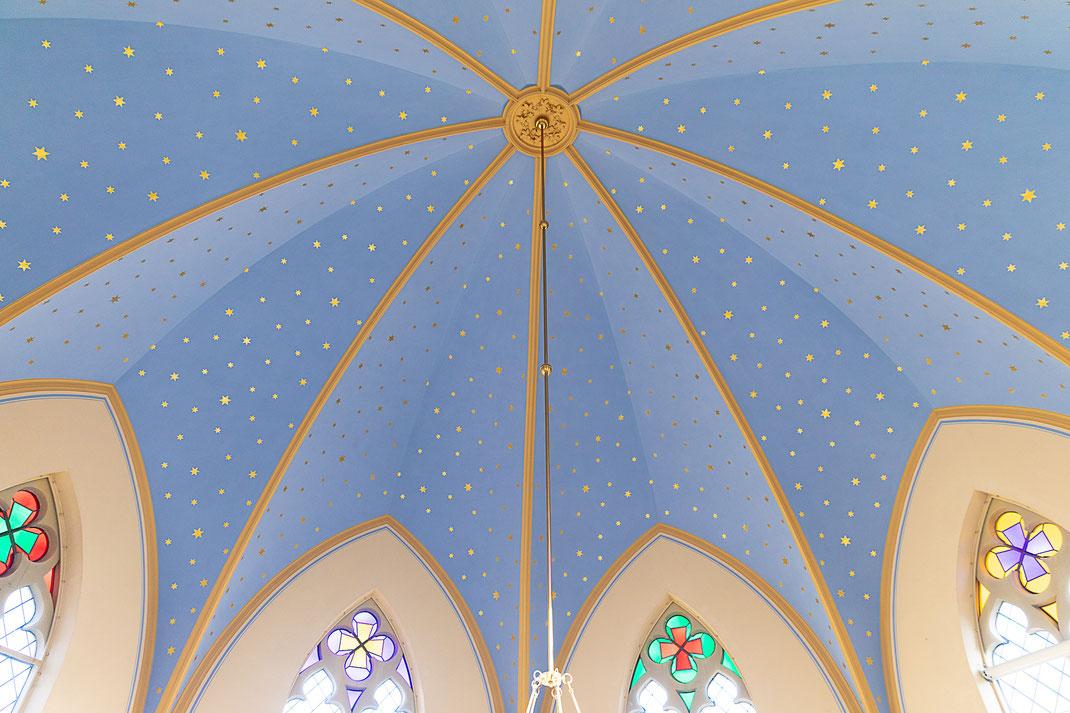 Heiraten in der Alten Neuendorfer Kirche Potsdam Babelsberg Hochzeit