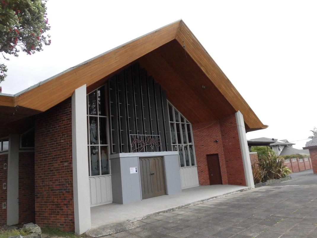 これ、教会です 欧米は灰色のバリエーションが豊か