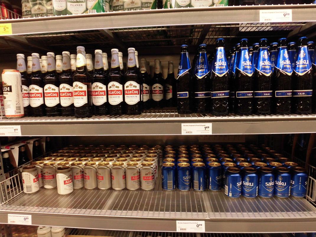 タリンの酒はお安いのでたくさん買ってフィンランドに持ち帰る、SAKUはポピュラー。税込1ユーロ以下も